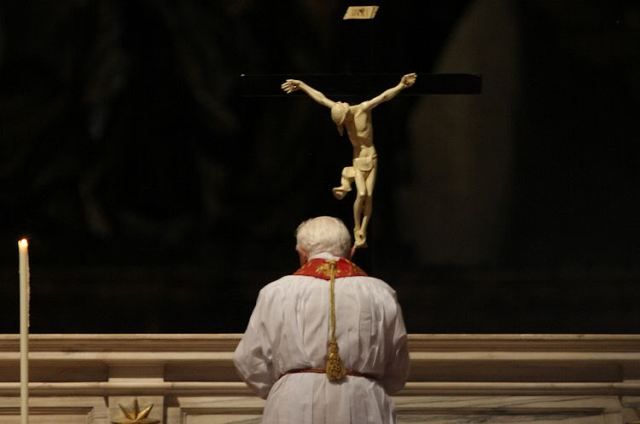 Pope Benedict XVI on the Good Friday Rite of the Veneration of the Holy Cross
